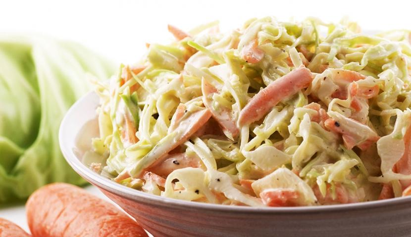 Салат из ветчины и пекинской капусты