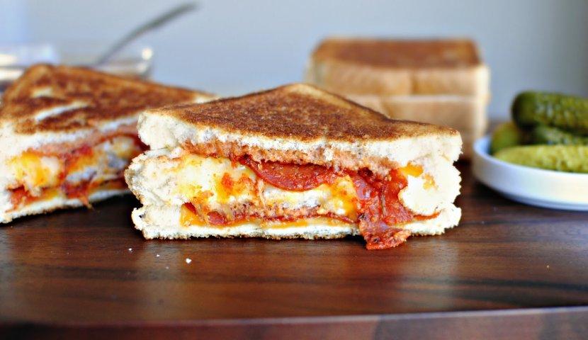 Пицца-сэндвич на скорую руку